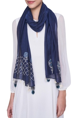 Embroidered stole with tassel border