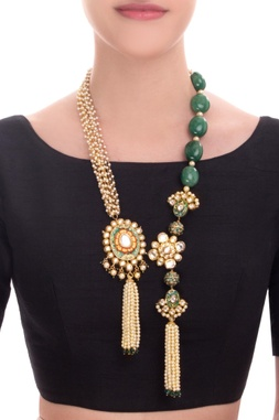 Gold finish statement necklace with pearl & kundan