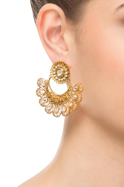 Gold studded earring