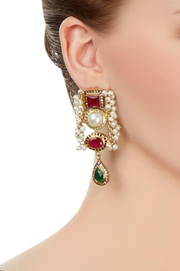 White bead earrings with stone