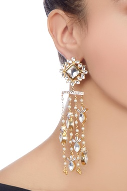 Gold shoulder dusters with kundan