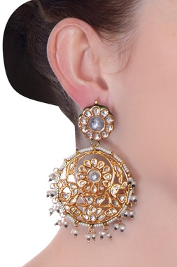 Gold kundan chaandbala earrings