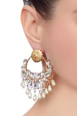 Gold jharokha inspired pearl earrings