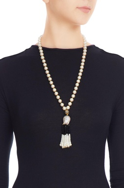 Multi-colored alloy lotus cap with black tassels and pearl necklace