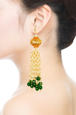 Gold plated emerald beaded & pearl dangler earrings