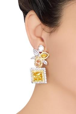 Geometric motif earings