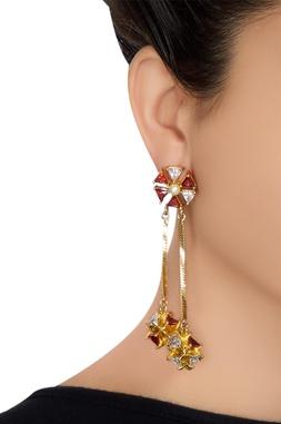 Floral shape dangling earrings