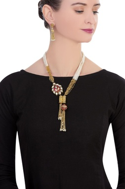 Layered necklace with earrings