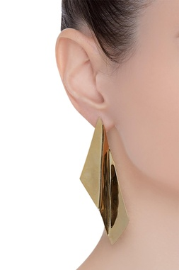 Offbeat twisted wave earrings