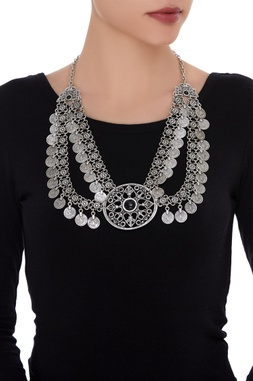 Double layered necklace