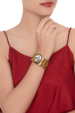 Statement bracelet with big crystal