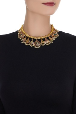 Embellished stone embedded necklace