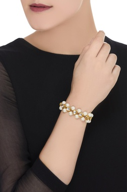 Kundan and pearl bracelet