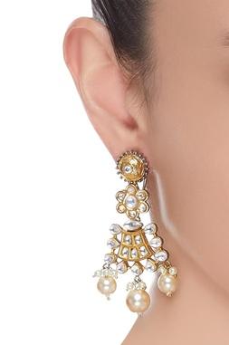 Kundan danglers with pearls