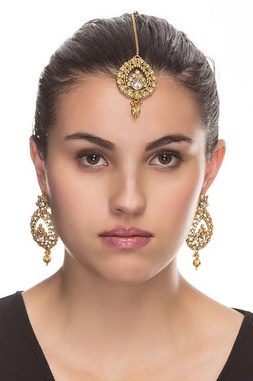 Gold plated earrings & maang-tikka set