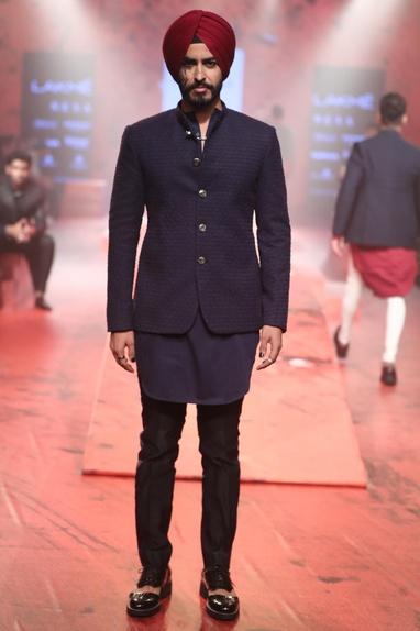 Kurta set with textured jacket