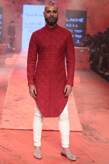Textured sherwani with tights