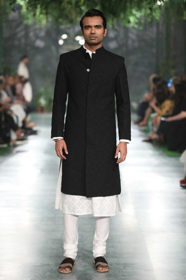 Frenchknot tone on tone hand embroidered sherwani