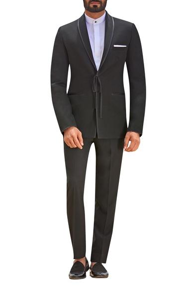 Tie-up style suit set