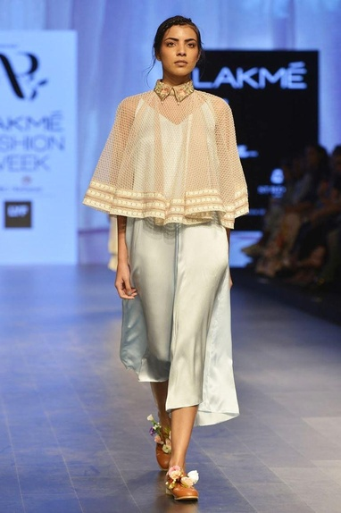 White venetian collared cape with pearl details
