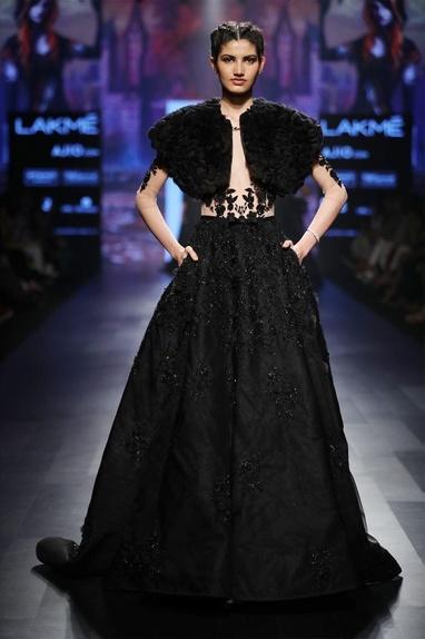 Black rose cape