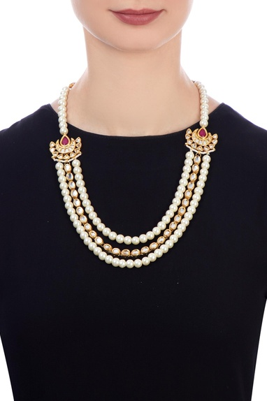 White faux pearl tiered necklace