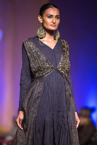 Navy blue tiered kurta with black cape & sequin pants