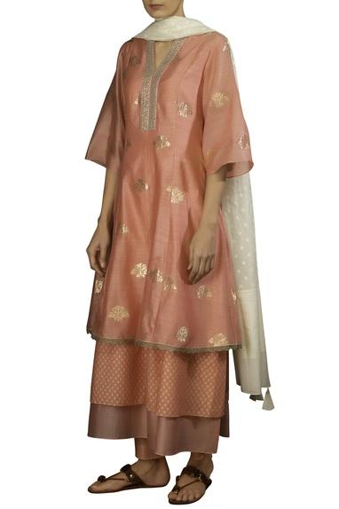 Pink zari booti layered & embroidered anarkali kurta with off white dobby dupatta