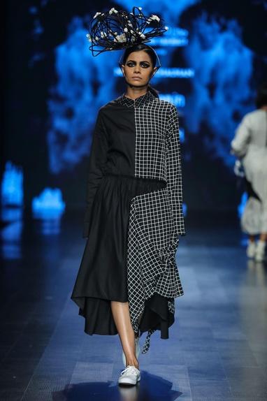 Black egyptian cotton chequered midi flared dress