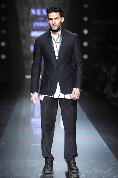 Black dapper blazer with patch pockets