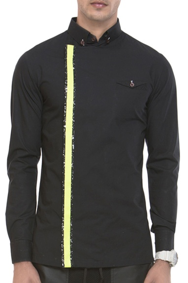 Cutaway collar shirt with neon detailing