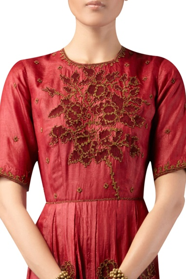 Rose motif embroidered gown