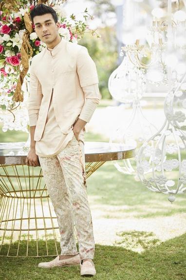 Floral print pants with kurta & bundi