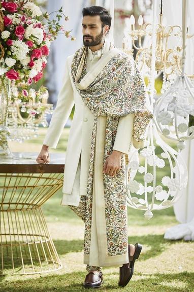 Floral embroidered spun silk shawl