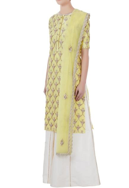 Nude yellow & white chanderi, tafetta & net hand crafted nakshi, white pearl & mirror work kurta with palazzos & dupatta