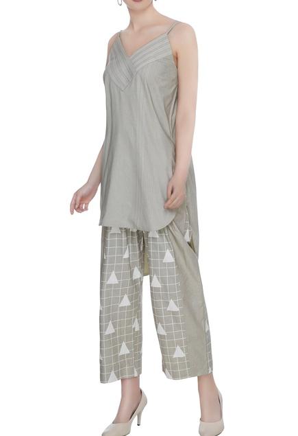 Olive grey organic poplin broken line print & texture blouse