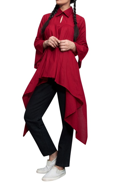 Maroon collar style high-low shirt