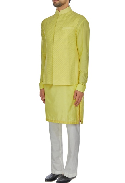 Yellow spun silk criss cross textured bandi jacket