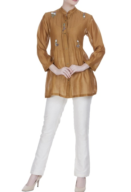 Embroidered blouse with pintuck pattern