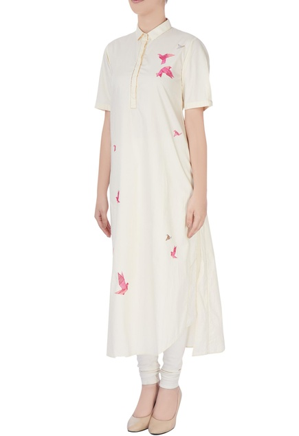 Cream kurta in pink embroidery
