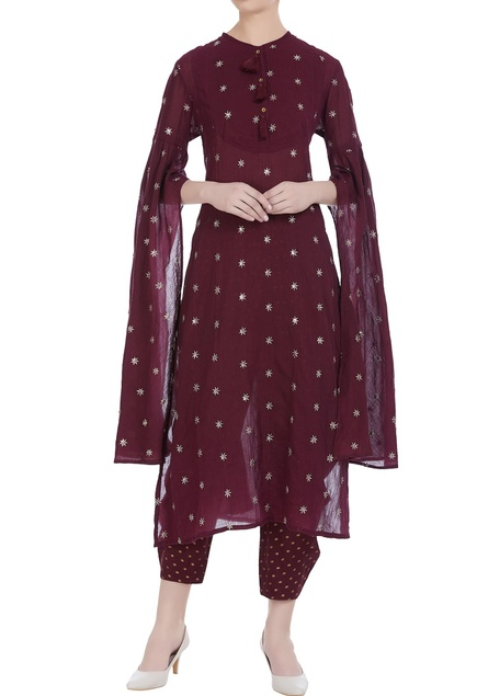 Star booti motif cape sleeve kurta set
