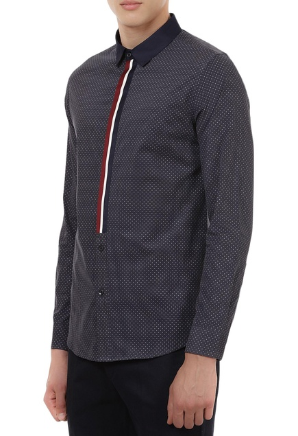 Collar shirt with stripe placket detail