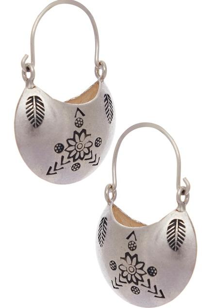 Floral design earrings