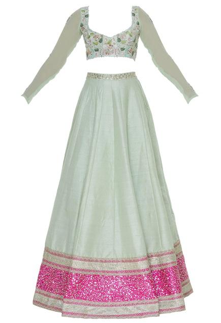 Back bow blouse with embroidered lehenga & banarasi dupatta