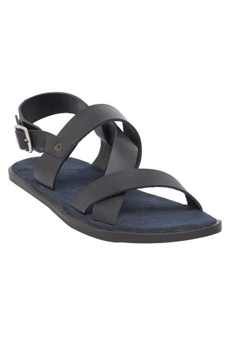 Criss-cross open sandals