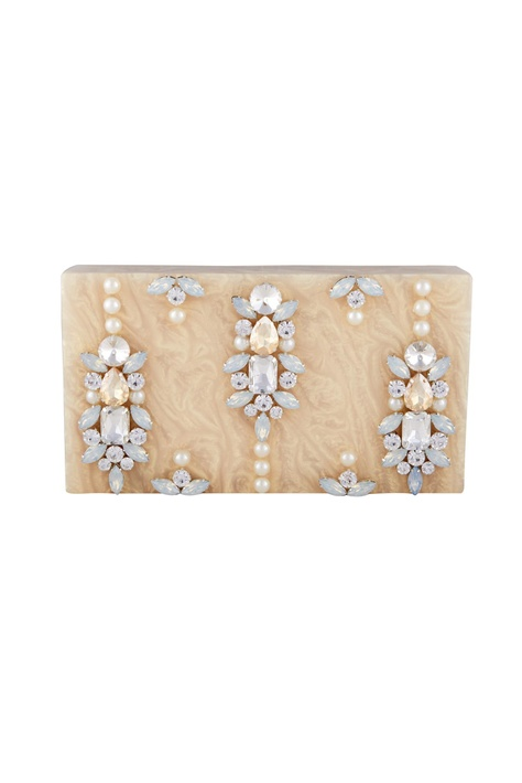 Light beige rectangle box clutch with detachable chain