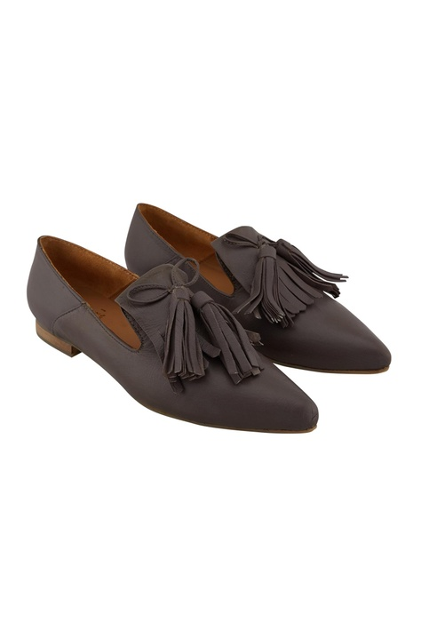 Mud leather tasseled ballerinas