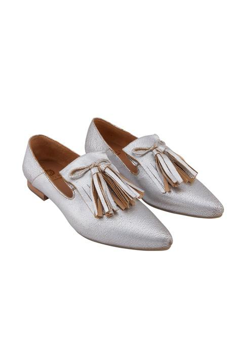 Silver leather tasseled ballerinas
