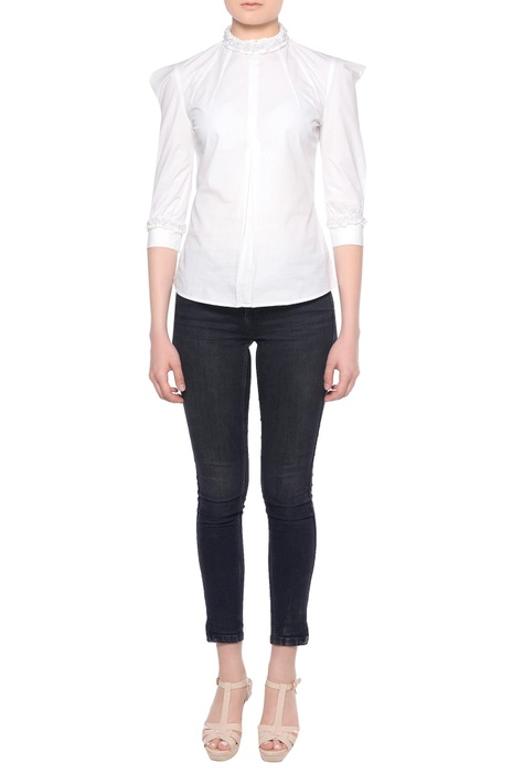 White puffed sleeve blouse with three-quarter sleeves