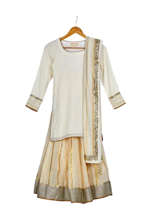 Beige & gold round neck kurta with gold chanderi lehenga & dupatta